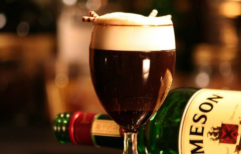 Irish Coffee: la ricetta originale e la sua storia
