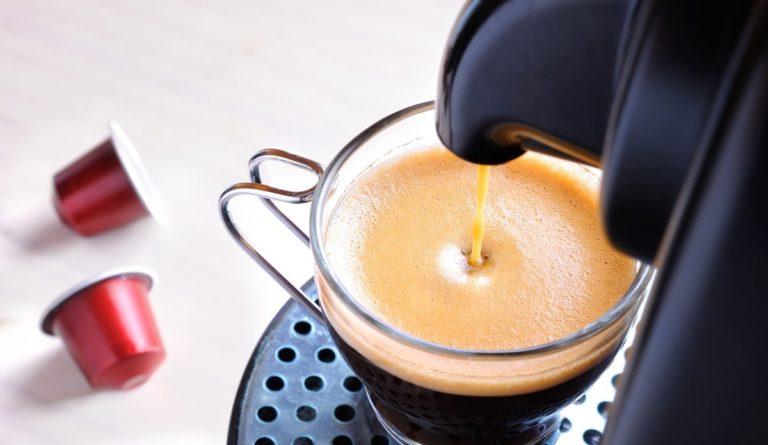 Le 5 Migliori Macchine Caffè a Capsule [e Come Scegliere]