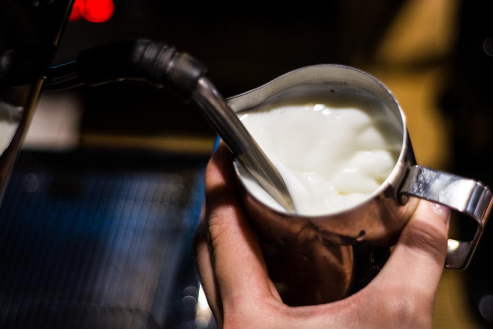come viene montato il latte