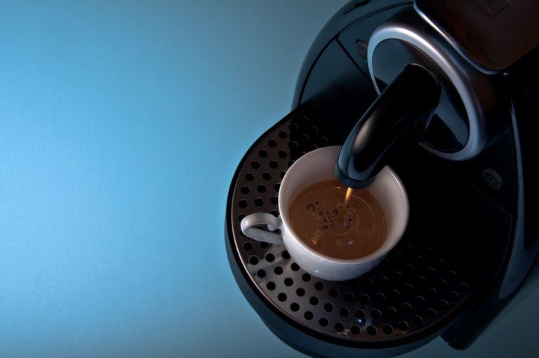Come Decalcificare la Macchina Caffè: una Guida Completa